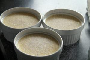Crème Brûlée mit Zucker